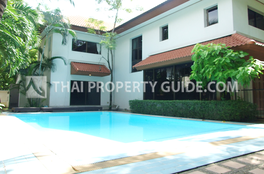 House with Private Pool for rent in Nichada Thani