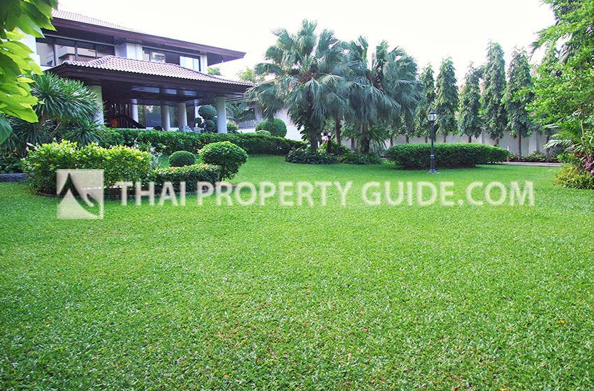 House with Private Pool for rent in Sathorn