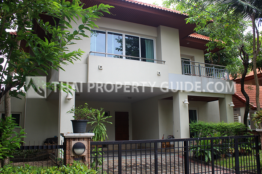 House with Shared Pool for rent in Nichada Thani