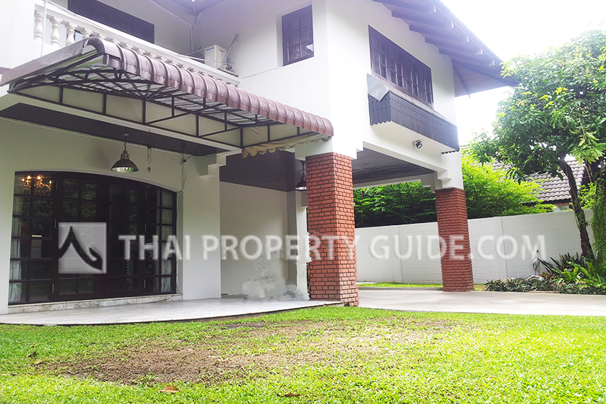House with Shared Pool for rent in Rama 9