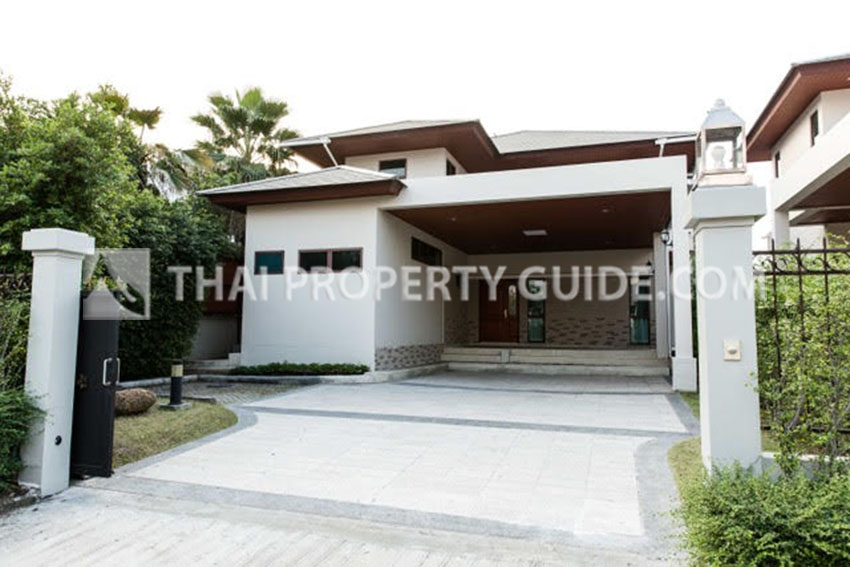 House with Shared Pool in Rama 9