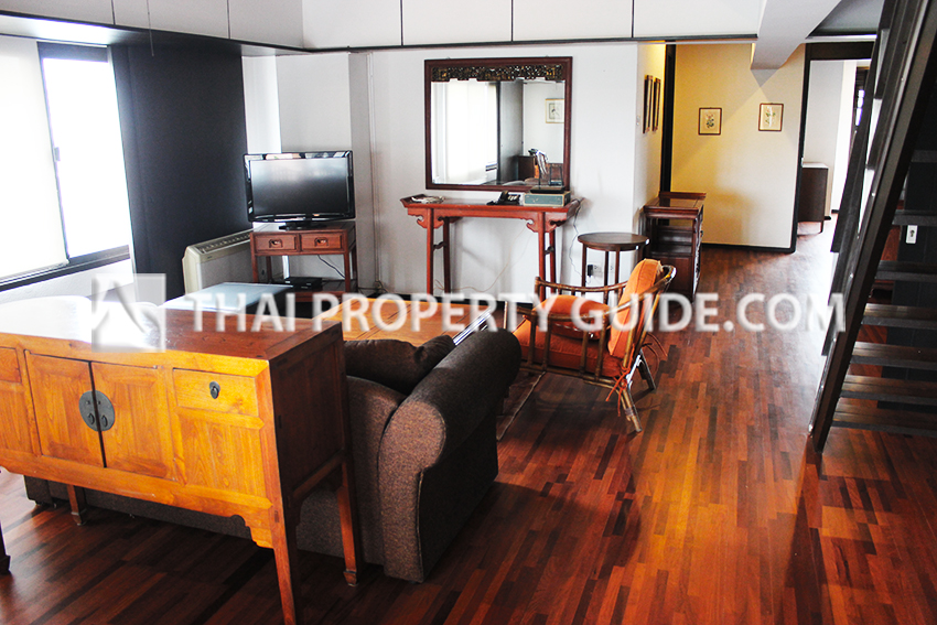Penthouse for rent in Phaholyothin