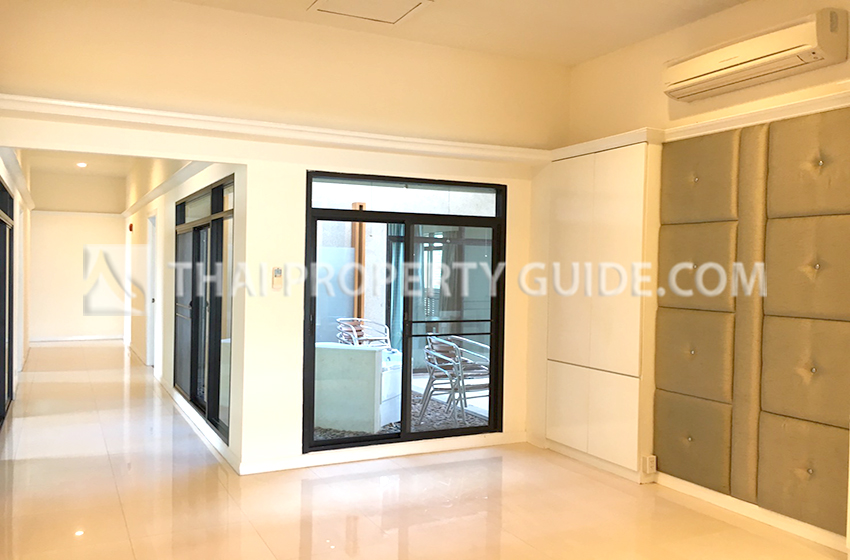 Stately Penthouse for rent in Sukhumvit, Bangkok