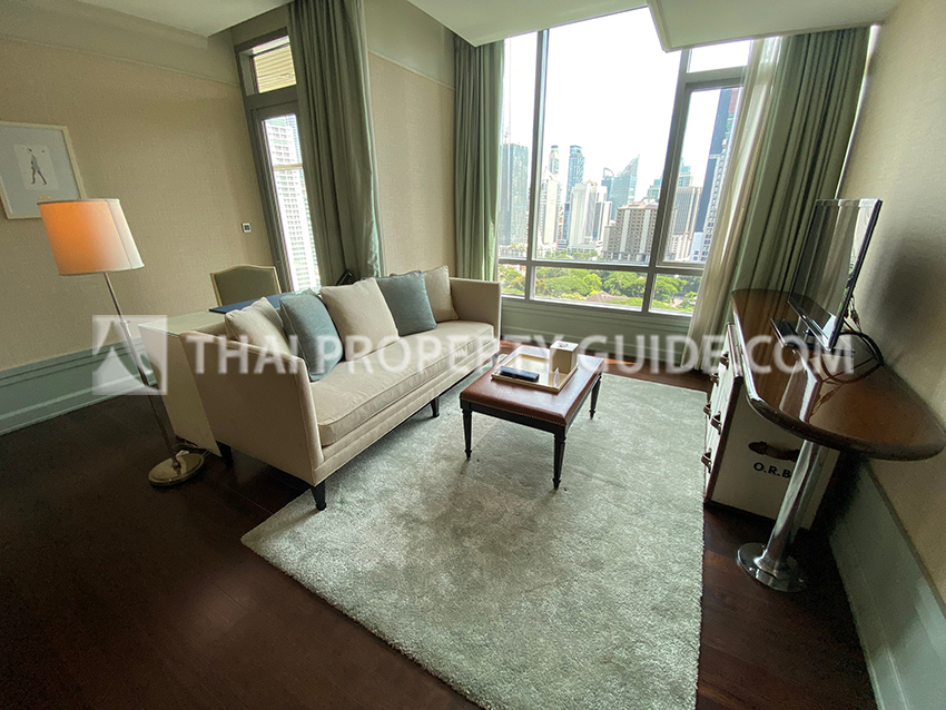 Service Apartment in Ploenchit