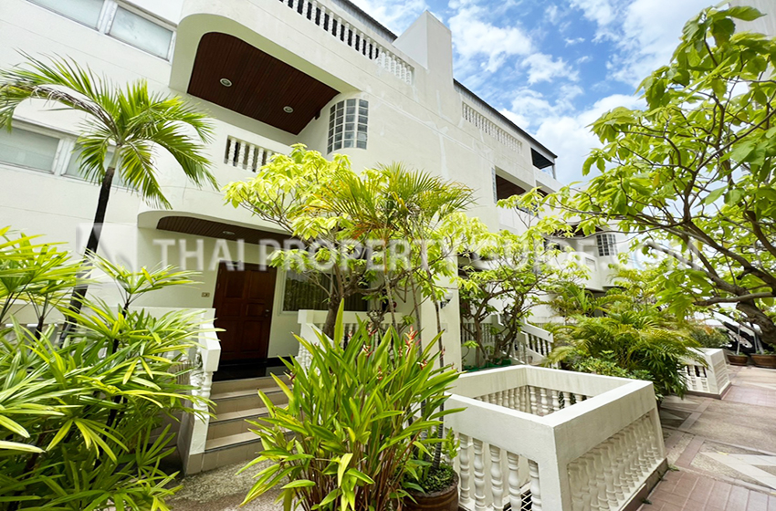 Townhouse for rent in Sathorn