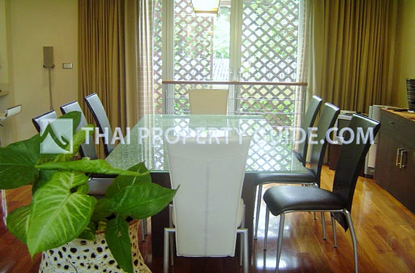Townhouse in Sathorn
