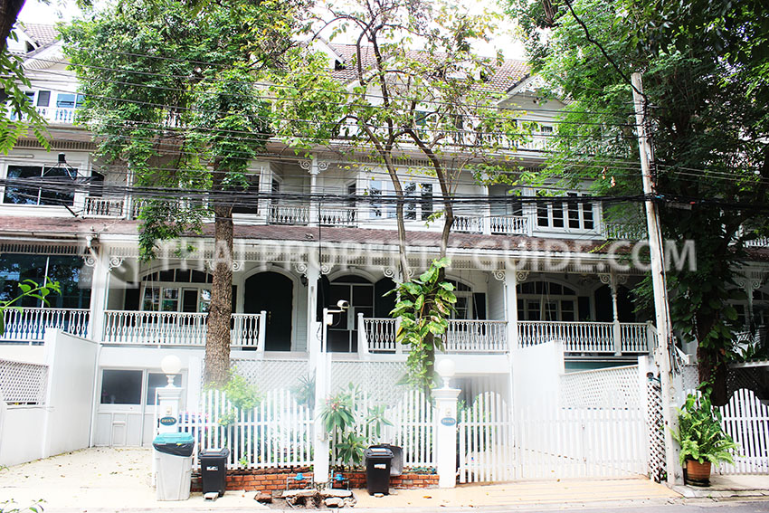 Townhouse for rent in Sukhumvit